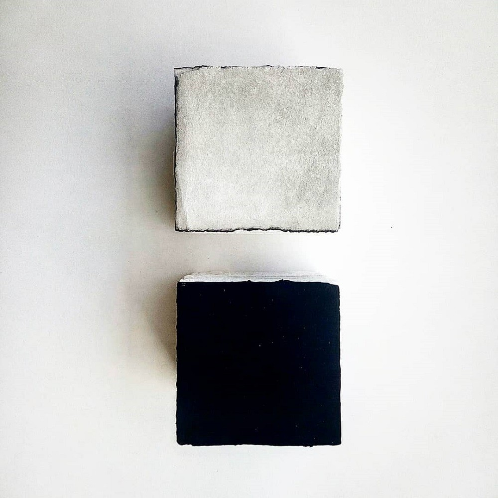 The Cube White 01 - The Cube Black 01